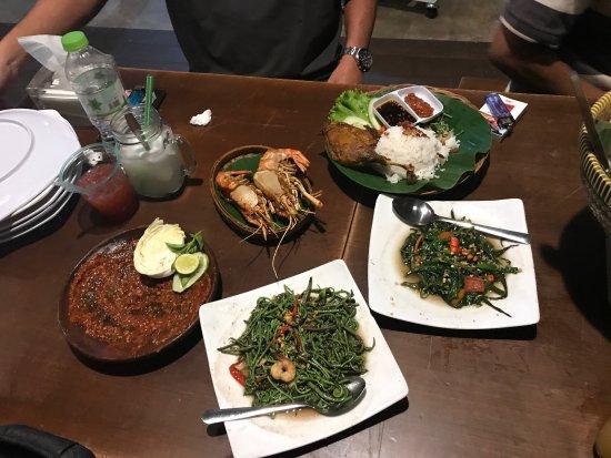 Kampung Rawit Singkawang Ulasan Restoran Tripadvisor