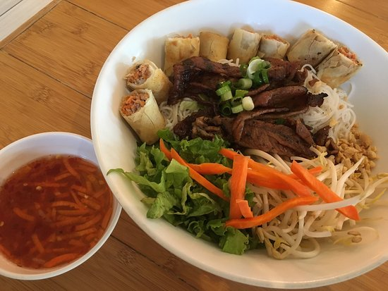 Pho Lee Vietnamese Restaurant: photo0.jpg