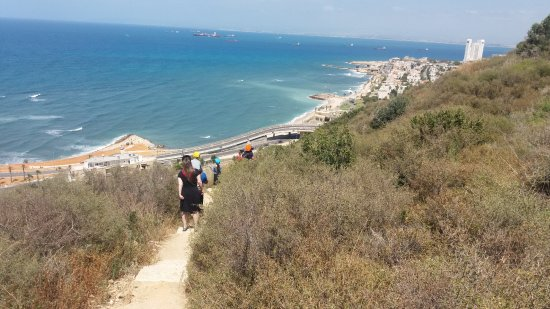 Stella Maris Lighthouse and Carmelite Monastery: hiking down the side of the mountain