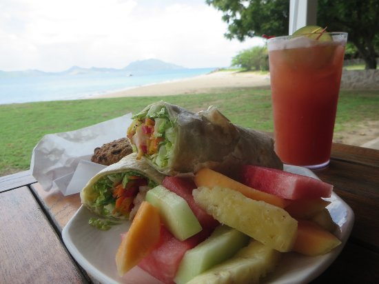 Montpelier Plantation & Beach: Montpelier will pack you an adorable picnic lunch for your day on the beach! | The Rose Table