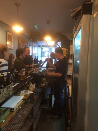 Beer Shed Micropub: The bar in action