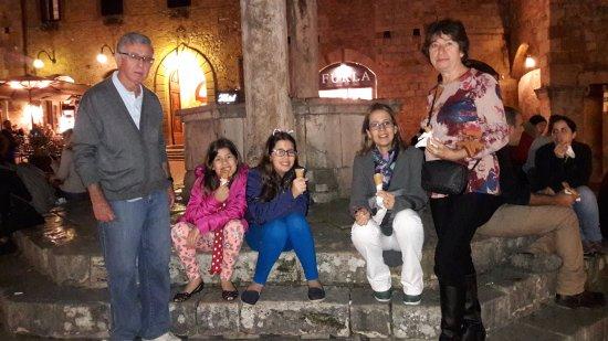 piazza no centro de san gimignano - foto di hotel bel soggiorno ... - Bel Soggiorno San Gimignano Italy 2