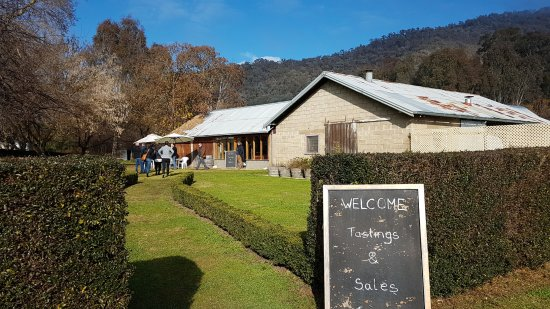 Benalla, Australia: Clear winters day in the King Valley