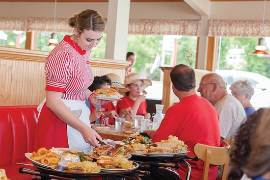 Beulah, MI: Serving up great food and smiles Since 1922