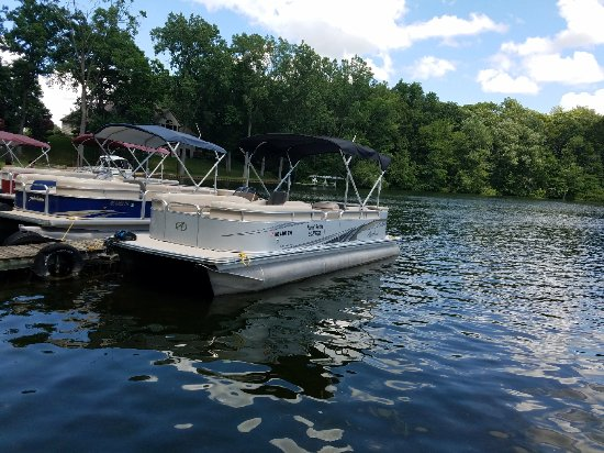 Narrows Campground and Pontoon Rentals