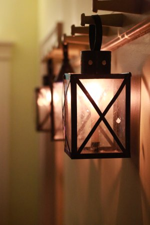 Commissariat House: more heritage type of candle ights in the hallway