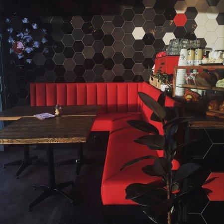 Lolo's Lounge