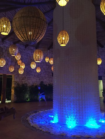 The Grand Mayan Riviera Maya: One of the evening shows with dinner