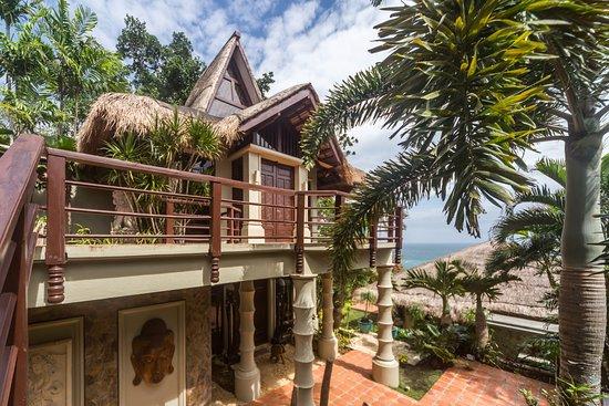 Entrance - Picture of Den Pasar Boracay Exclusive 4BR Luxury Villa, Panay Island - Tripadvisor