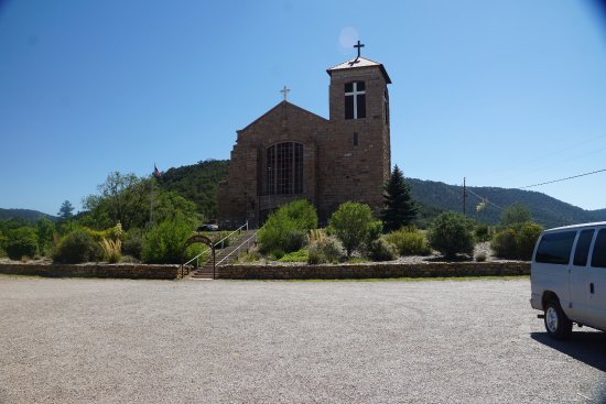 Mescalero, Nuevo Mexico: Another View of the Church