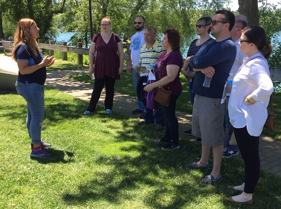 Lewiston, NY: Our tour guides are fully trained and very engaging!