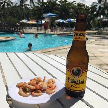 camar o cerveja gelada sol e piscina conjunto