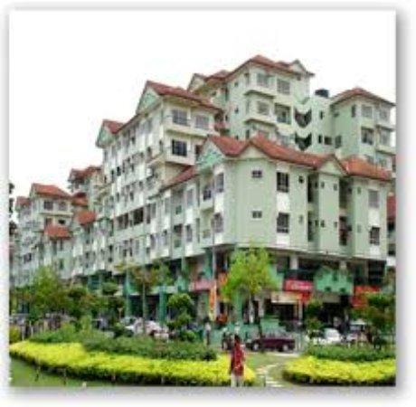 Promenade Hotel Apartments: Surrounding
