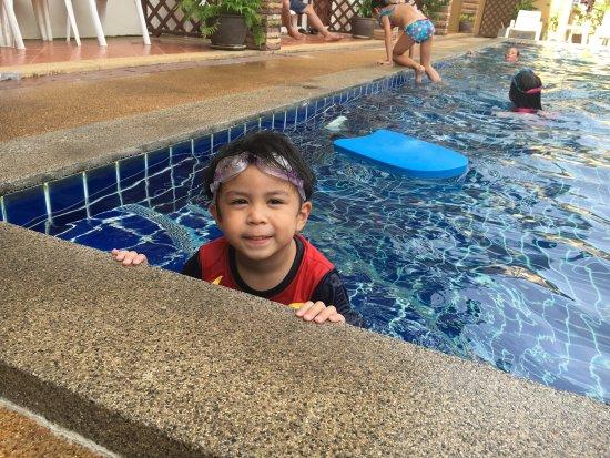 Hathai House: Nice pool