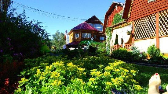 Katun, รัสเซีย: Уютные номера, чистая территория. Банька👍🏻Бассейн👍🏻фитобочка💪🏻 вкусно кормят😋