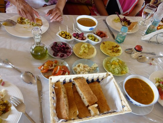 Cafe Restaurant Merzouga: Soup and Salad