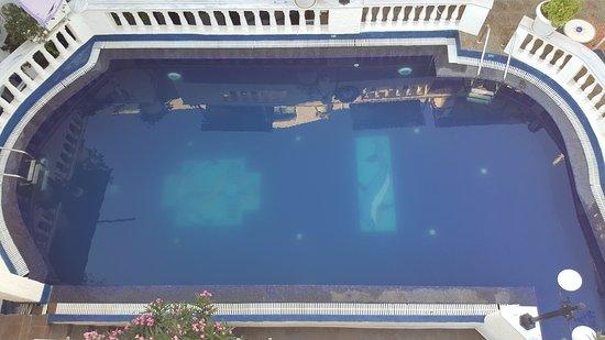 Porto Perissa Hotel : 20170621_191124_large.jpg