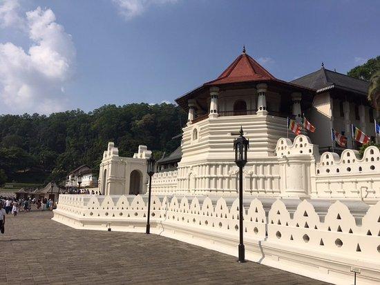 Templo del Diente de Buda (Sri Dalada Maligawa: External main entrance