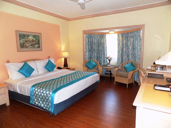 Fortune Resort Sullivan Court, Ooty, India - Booking.com