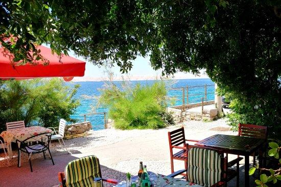 Karlobag, Croacia: Panorama con vista sull'isola di Pago.