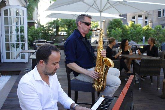 Restaurant C Five: Live-Musik auf der Sonnen-Terrasse des Restaurant C-five