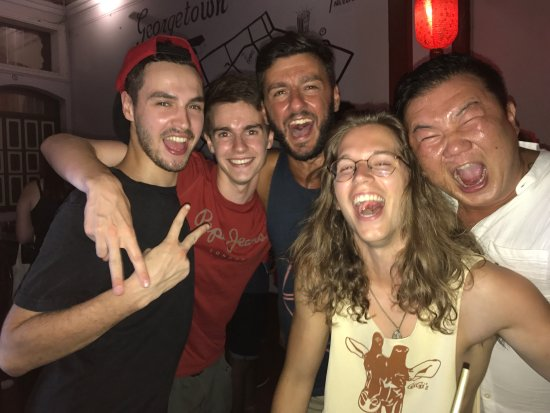 Tipsy Tiger Party Hostel: Having a great time at the best and biggest party hostel in Malaysia!