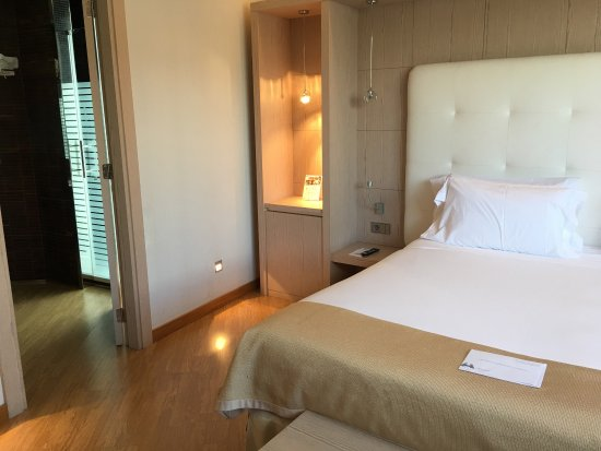 Maydrit Hotel: Suite room
