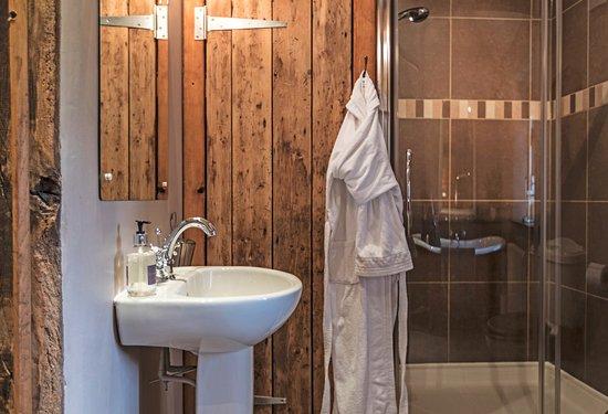 Ravenstonedale, UK: Shepherd's Cottage shower