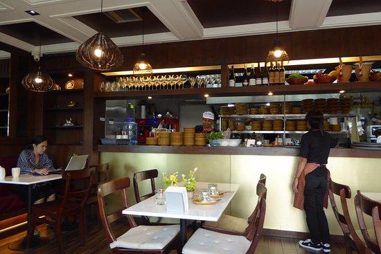 Larb Loi: Interior seatings