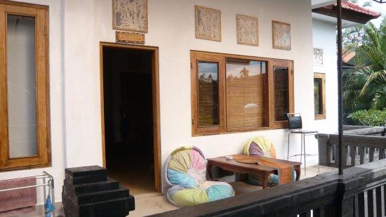 Bayu Guest House : Bayu Room - exterior