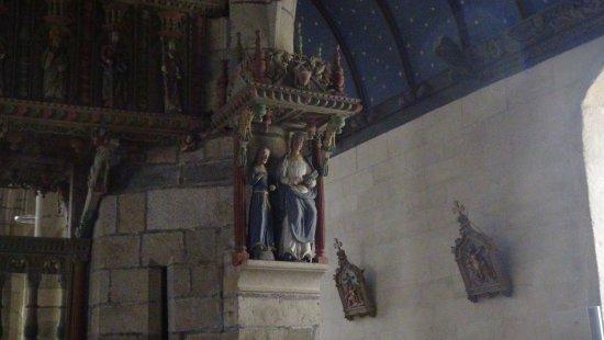La Roche-Maurice, Prancis: statue