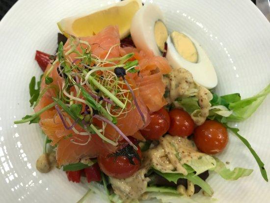 Szamos Gourmet Ház - Váci utca: Salad with Smokes Salmon Rose