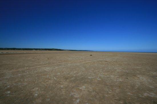 Moelfre, UK: Lots of sand!