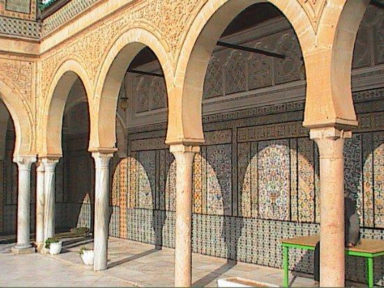 Mosque Sidi Sahbi (Mosque of the Barber) : Mausoleum of Abu Zomaa al-Balaoui Kairouan / Tunisia