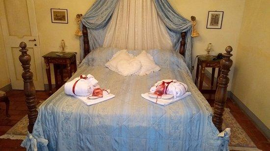 Виккьо, Италия: The bed!!