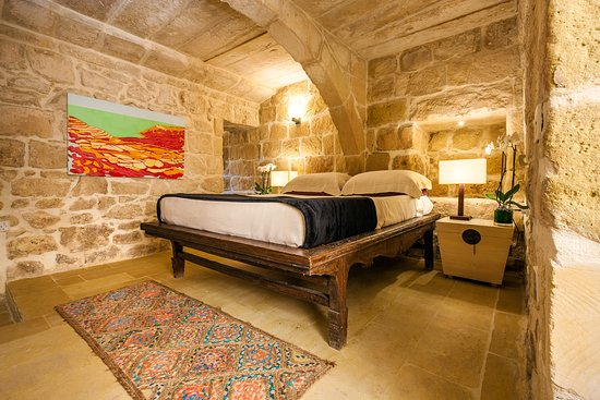 Munxar, Malta: Our garden suite is part of the original farmhouse structure of our hotel