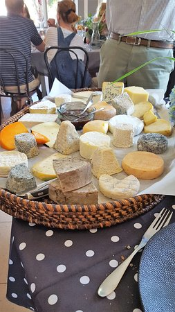 Saint-Romain, ฝรั่งเศส: That is a cheeseboard
