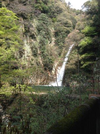 神戸市, 兵庫県, 爽やかに流れ落ちる布引の滝