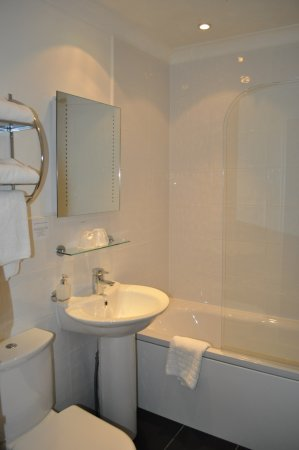 Bathroom - Photo de Argyll Hotel, Glasgow - Tripadvisor