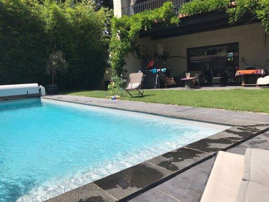 Lyon faubourg b b reviews price comparison saint for Pool show lyon france