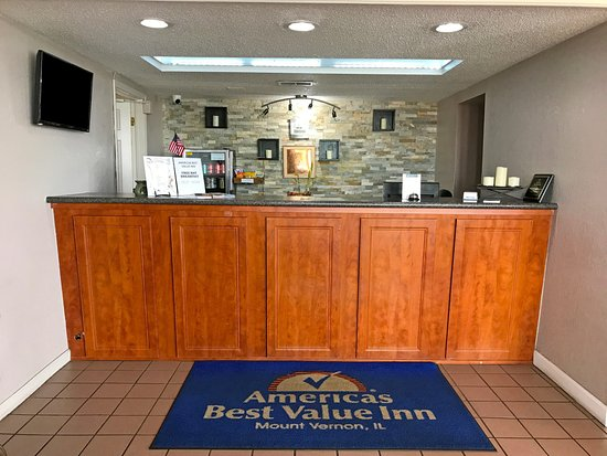 Americas Best Value Inn Mt Vernon: Front Desk