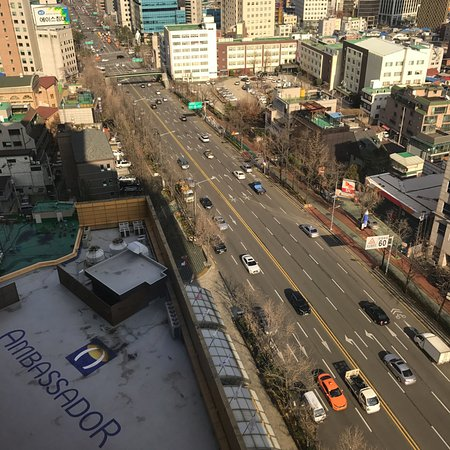 Grand Ambassador Seoul associated with Pullman: Just cross this road and you will get to enjoy great local food!