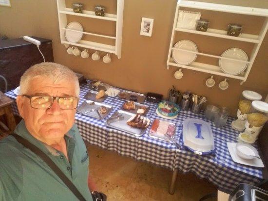 Korona Panzio: Breakfast is very poor