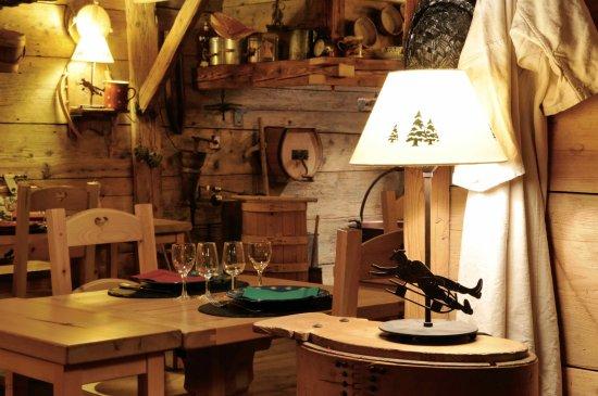 Les gentianettes la chapelle d 39 abondance restaurant reviews phone number photos tripadvisor - Restaurant porte de la chapelle ...