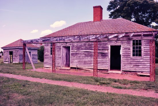 King George, VA: Colonial Outbuilding Kitchen