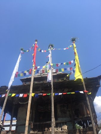 Sangla, India: 300 year old Buddhist monastery in Batseri village - 15 minutes walk from the camp.