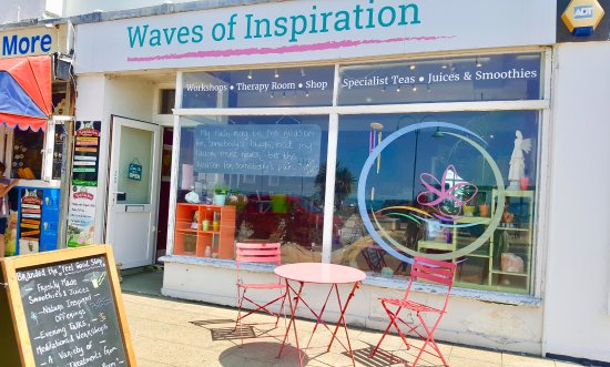 Lee-on-the-Solent, UK: We are located along the shopfront on the main road in to Lee on Solent opposite the car park