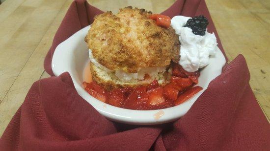 Pogreba Restaurant: Strawberry Shortcake