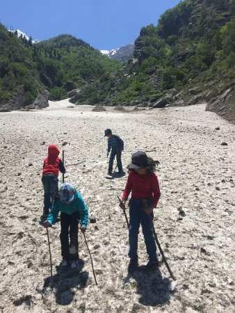 Sangla, India: Snow play area - about 2 kms from the camp. Ideal in April and May and sometimes in June as well