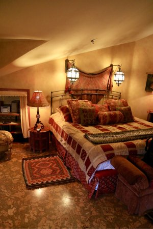 Beautiful inn with matching hospitality.  The room is Room 12 or the Moroccan Room with large ga